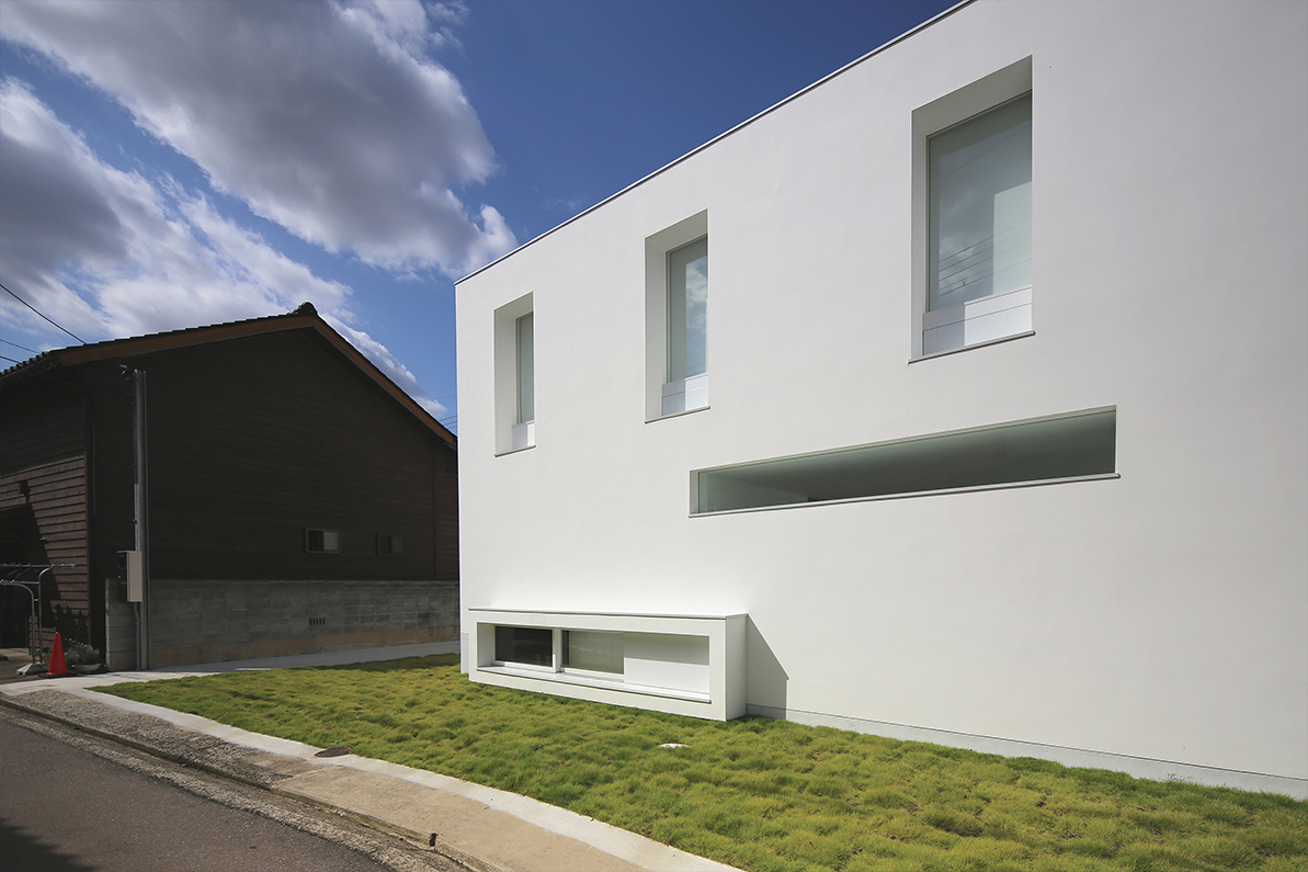 The Client S Original Request Was A White Minimally Designed House With Many External Es Such As Large Snow Proof Roach To Entrance
