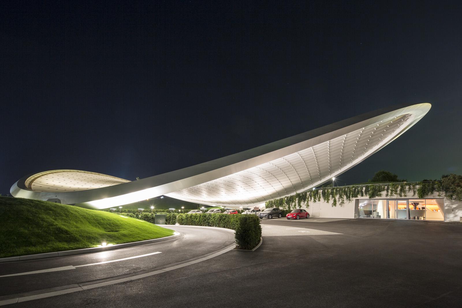 autostadt roof and service pavilion | arcdog, Innenarchitektur ideen